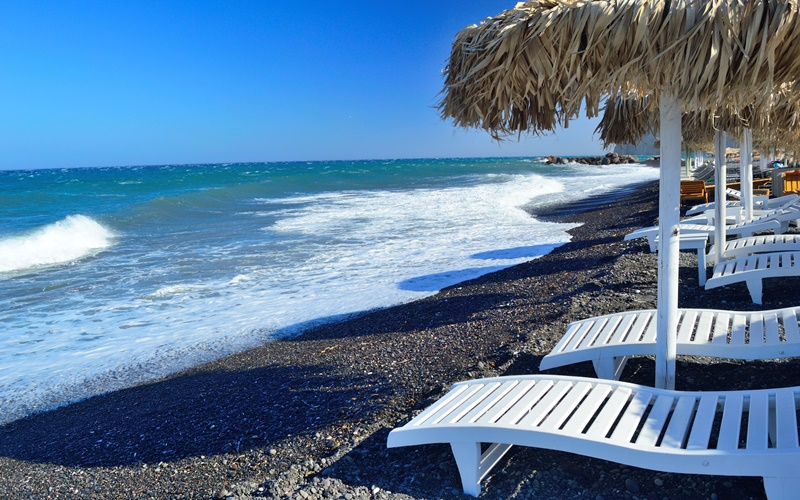 kamari beach santorini strand