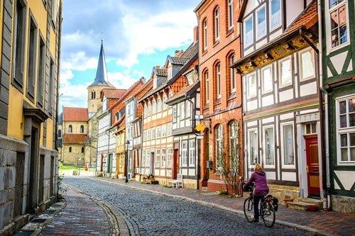 Fachwerkhäuser in der Kleinstadt Goslar im Harz